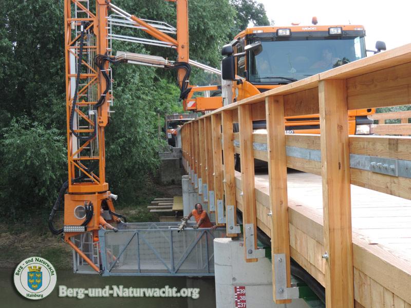 Die Landesstraßenmeisterei Niederösterreich bei den Arbeiten | Foto: Berg-und-Naturwacht.org